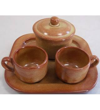 Small cups, tray and pot.