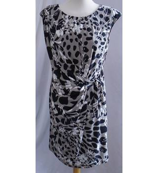 Gina Bacconi - Size: 14 - Beige and Black with White Floral Dress