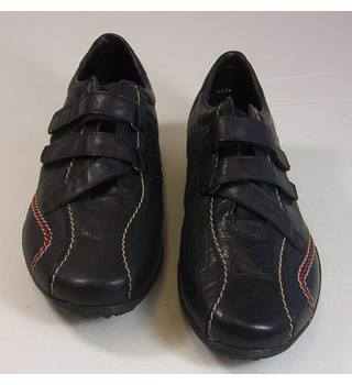 1f92a1700bfd5 Rieker - Size: EU37/UK4 - Black - Low-heeled shoes | Oxfam GB | Oxfam's  Online Shop