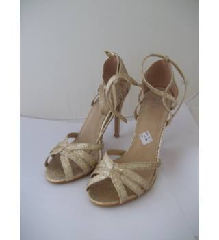 True Decadance - Size: 5 - Gold Glitter - Heeled shoes