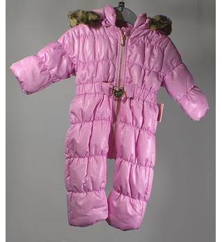 BNWT Juicy Couture Baby Snow Suit - Pink - Size 3-6 months Juicy Couture - Size: 0 - 12 months - Pink - Outfit