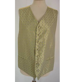 "Liberty Size: L, 42"" Chest, tailored fit Vegas Gold Diamond Pattern With Yellow Rear Panel Stylish Silk & Acetate Waistcoat"