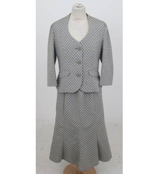 Alex & Co: Size 10 (Jacket).12 (Skirt): Taupe with cream spot skirt suit
