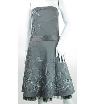 Jane Norman - Size: 10 - Silver Embroidered - Knee length dress