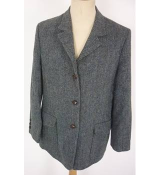 "Orvis  Size: 18, 41"" chest, tailored fit Grey, Blue Herringbone Pattern Stylish/Sports Tweed Wool Single Breasted Jacket"