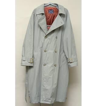 A smart raincoat from Principles for Men Principles - Size: L - Grey