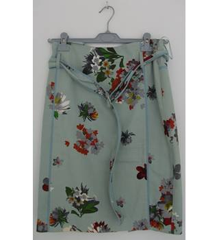 BETTY JACKSON LONDON Mint Green Straight Knee-Length Skirt  with Floral Pattern  UK Size 10 / Euro Size 38