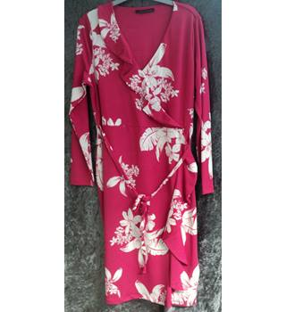 M&S Marks & Spencer - Size: 16 - Pink - Calf length
