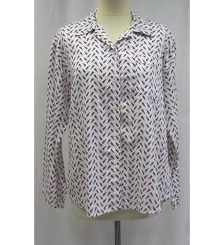 Hush - Size M/L - White with black bird pattern shirt