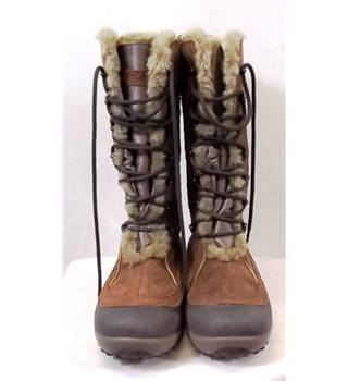 Columbia - Size: 4.5 - Brown - Boots