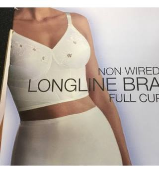 BNWT Non Wired Longline Bra M&S 36D M&S Marks & Spencer - Size: 36 - White - Bra