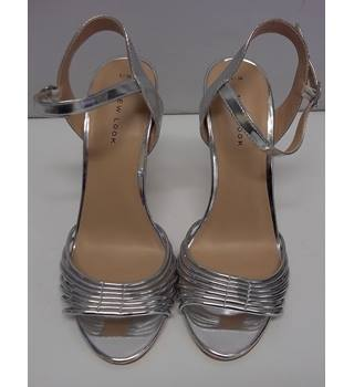 New without tags New Look - Size: 5 - Metallics - Sandals