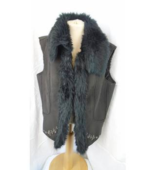 GIRLS BROWN FAUX SUEDE GILET, SIZE 12/14 Ellie NewYork - Size: 13 - 14 Years - Brown - Gilet