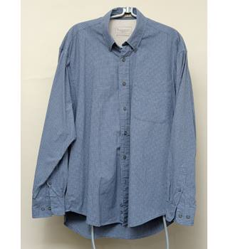 Haggar Men's Grey-blue Checked Button-down Shirt - Medium