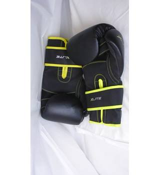 LONSDALE LONDON BOXING GLOVES 14OZ Lonsdale - Size: 14 oz - Black