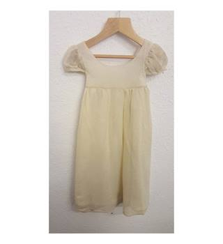 BNWT ILOVEGORGEOUS CREAM AND GOLD FULL LENGTH BRIDESMAIDS/FORMAL DRESS age 4-5 ILoveGergeous - Size: 4 - 5 Years - Cream / ivory