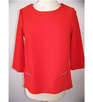New Look - Size 8 - Red Top