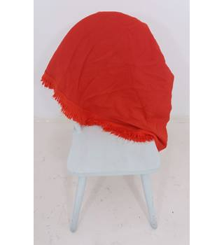 Wonderful Red Fringed Woven Circular Tablecloth