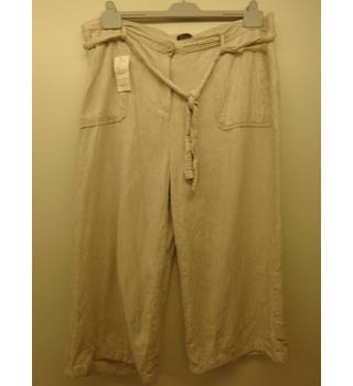 M&S Marks & Spencer - Size: 20S - Beige  Trousers (L5)