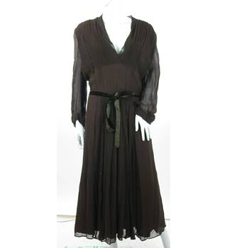 Vintage - Heiress - Size: 12 - Chestnut Brown - Pleated Bodice Dress