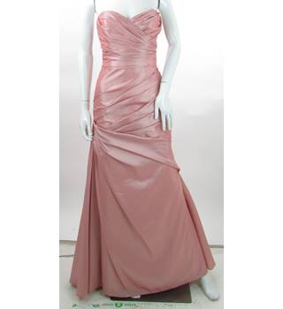 BNWT - Wtoo - Size: 8 - Pink - Full Length Prom dress
