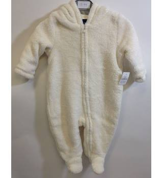 BNWT Baby Gap - Age 3-6 months  Cream Coloured Romper-suit