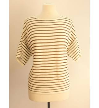 BNWT Atmosphere Size 12 White & Black Horizontally Striped Top