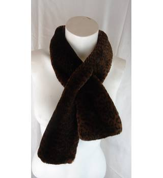 FORGE-A-HEAD FAUX FUR LEOPARD PRINT SCARF Forge-a-head - Size: One size - Brown - Scarf