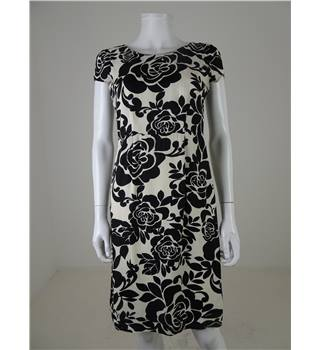 Phase Eight Size 8 White withe Black Floral Pattern Dress