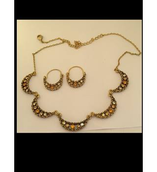 Orange and Clear Diamante Necklace & Earrings set Unbranded - Size: Medium - Orange
