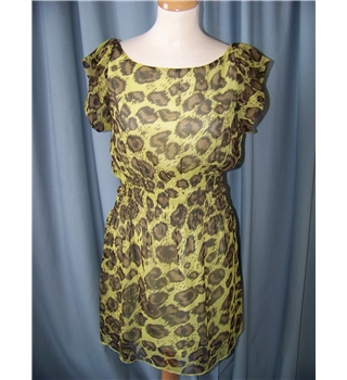 Mela Loves London - Size: 12 - Yellow with brown splash pattern - short-sleeved dress