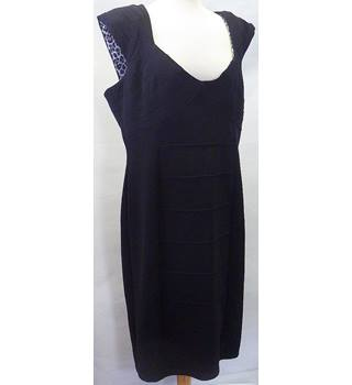 STAR by Julien  MacDonald Size:18 Black dress