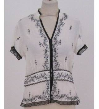 New Look - Size: 10 - cream and black embroidered short sleeved shirt