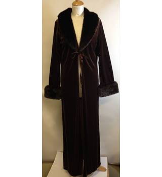 BNWT La Senza size S/M  Chocolate BRown with Faux Fur Trims Dressing gown