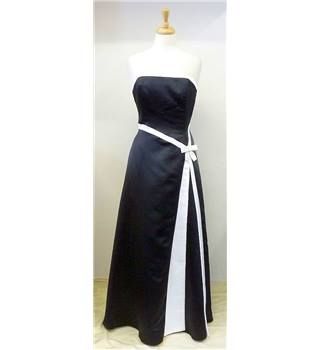 Jessica Mcclintock for Gunne Sax size 8-10 black and white ball gown