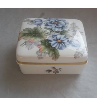 Vintage Royal Worcester Bone China Trinket Box And Cover