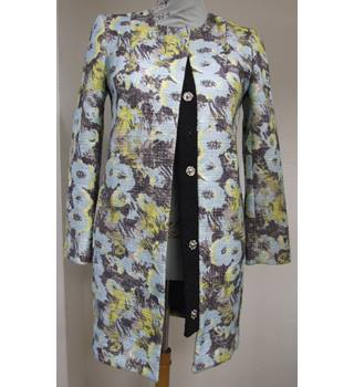 Beautiful Floral Print 3/4 coat by Topshop - Size: 6 - Multi-coloured - Casual jacket / coat