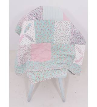 Sweet Handmade Patchwork Floral Quilt For A Single/Double Bed