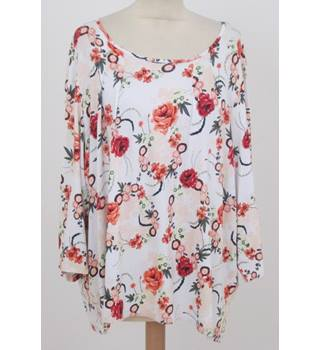 NWOT: M&S Size 18: Ivory & red floral print pull-on top