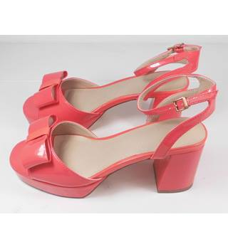 NEW ASOS Coral Pink Patent Block Heeled Sandals Size 4