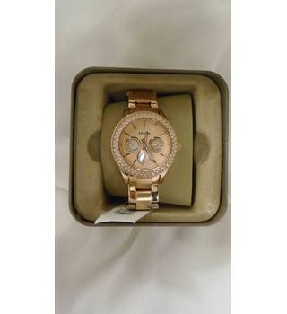 NWOT Fossil rose gold coloured link strap watch