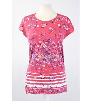 Oasis XS Fuschia Floral Short Sleeved Top