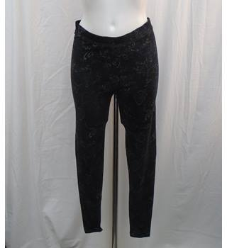 BNWOT M&S black patterned leggings Size 10