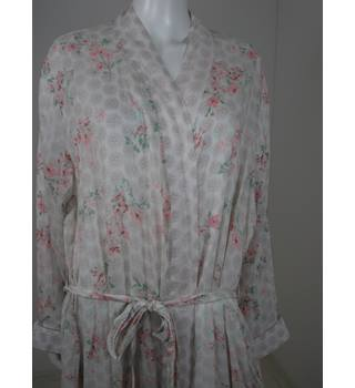 Marks & Spencer Cream Patterned Dressing Gown Size 20