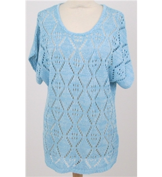 NWOT Leo & Nicole size L blue cutout pattern top