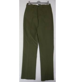 "BNWoT Land's End Size: M, 32"" waist, 38"" inside leg, traditional fit Rifle Green Casual Cotton Straight Leg Flat Front Chinos"