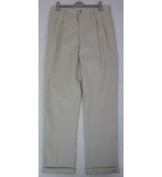 "BNWoT Land's End Size: M, 33"" W, 32"" L, traditional fit Cream Casual Cotton Tapered Leg 1"" Turn-Ups Twin Pleat Front Chinos"