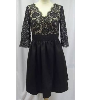 BNWT Roman - Size: 10 - Black Floral Laced - Dress