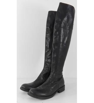 Fiorentini + Baker Size: 3.5  Black Italian Leather Above the Knee Boots