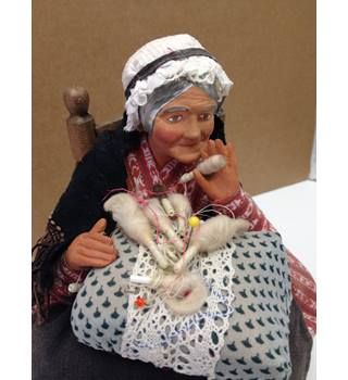 Collectable Ceramic Doll Old Lady (possibly William Wallace)
